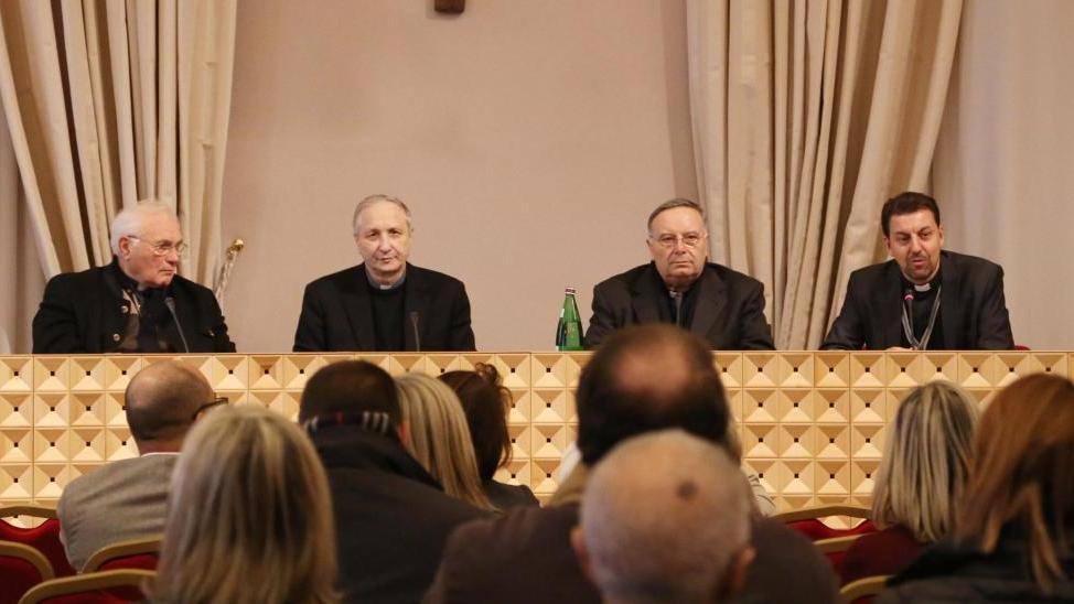 Migranti e diritti civili l 39 affondo del vescovo home - Palestra bagnolo mella ...