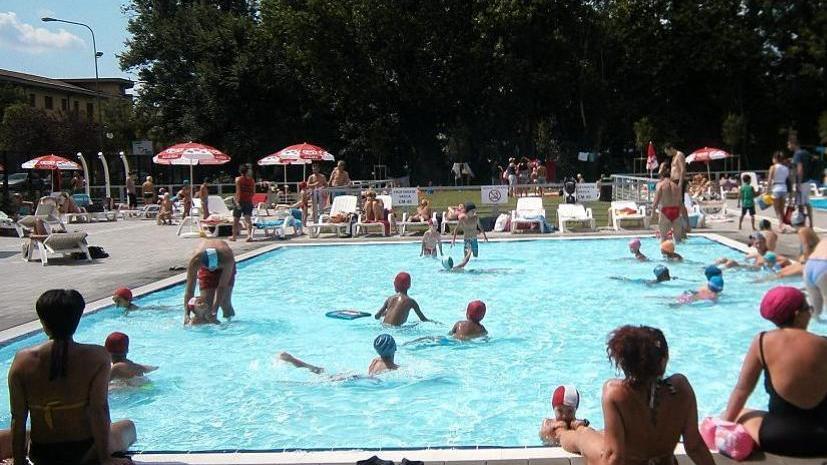 La nuova piscina di mompiano piace anche a pagamento - Piscina bagnolo mella ...
