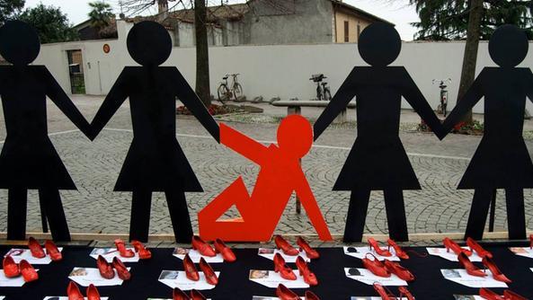 scarpe rosse contro la violenza sulle donne citta contro la violenza sulle donne