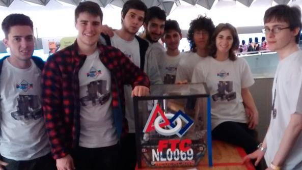 Gli otto studenti del Castelli vincitori del Rockwell Innovate Award