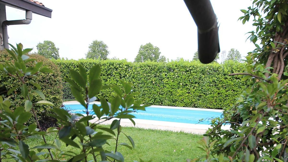 Bambino di due anni annega nella piscina territori - Piscina montichiari ...