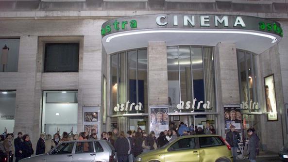 Piccole Sale Cinematografiche : Lastra verso la riapertura i film in quattro piccole sale città