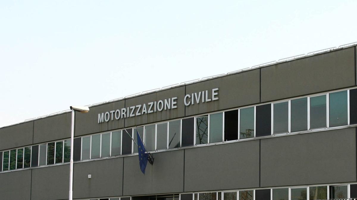 Ufficio Di Motorizzazione : Cronica carenza di organico. motorizzazione civile è caos città