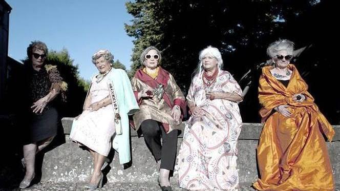 Dodici Nonne Per Il Calendario Quando Il Fascino Senza