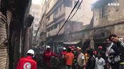 Oltre 80 morti in un incendio in Bangladesh